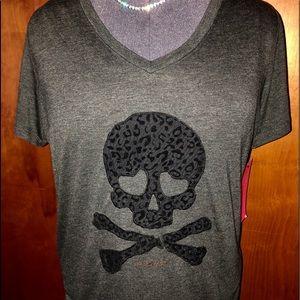 Betsy Johnson Performance T/ leopard skull ☠☠